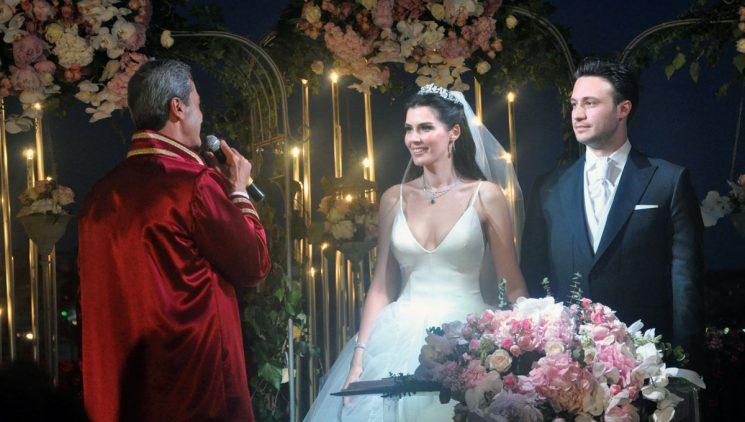 Hatice Şendil ve Burak Sağyaşar Dillere Destan Bir Düğün ile Dünya Evine Girdi