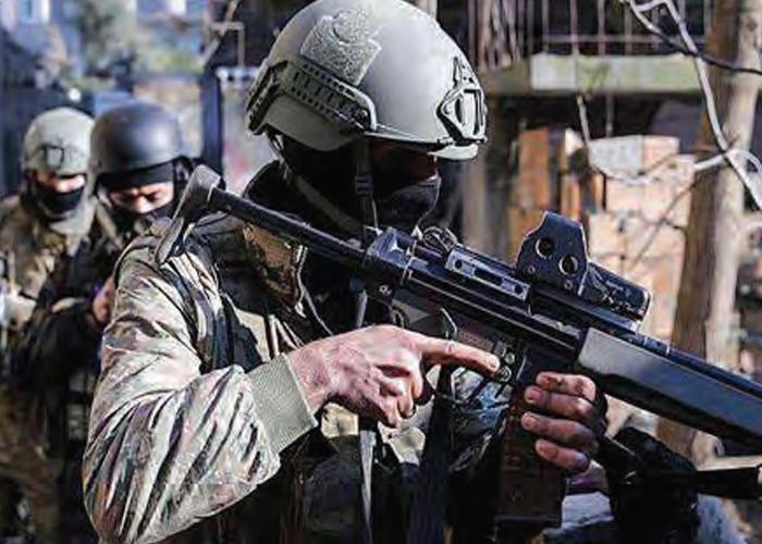 SÖZDE DEVLET KURMAYA KALKIŞAN PKK ÇÖKERTİLİYOR