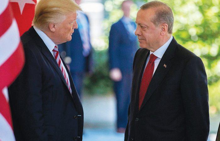 """KRİTİK GÖRÜŞMEDE TRUMP: """"TÜRKLERİN CESARETİ EFSANEVİDİR"""""""