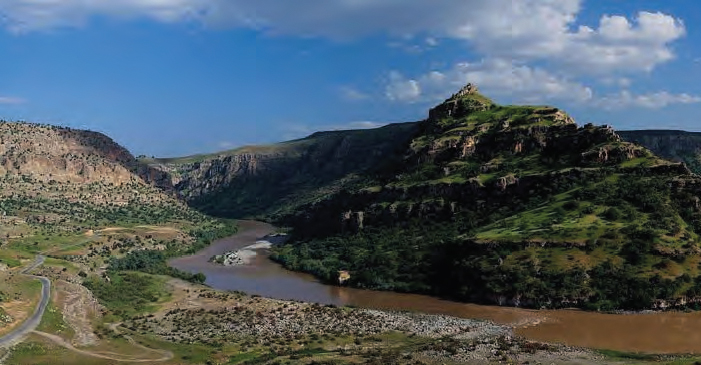 Cûdî Dagı'nın Eteginde Kadim Bir Sehir ŞIRNAK